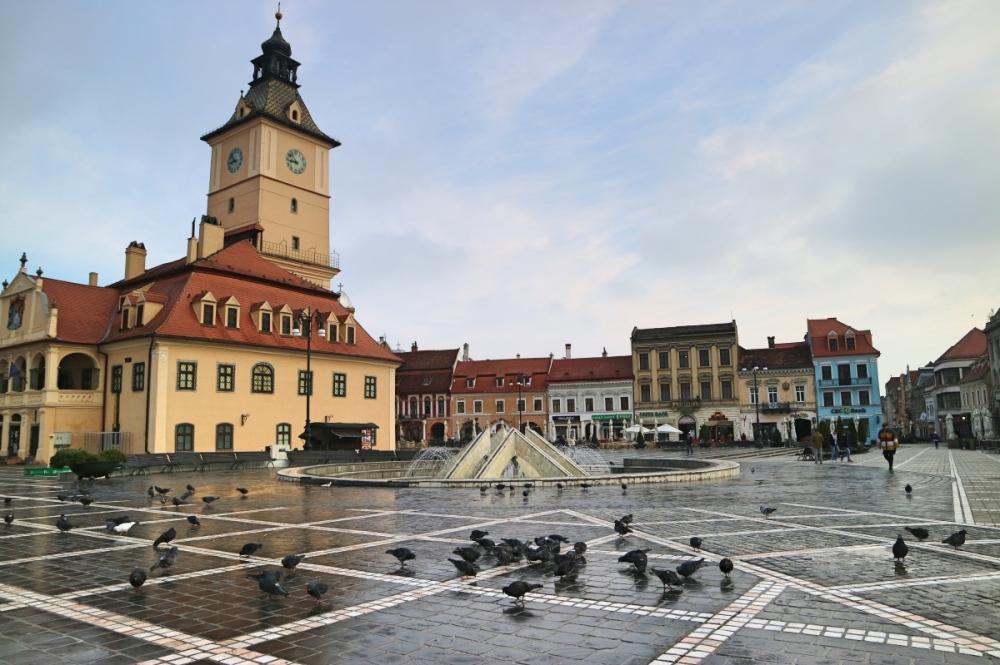 brasov-town-square